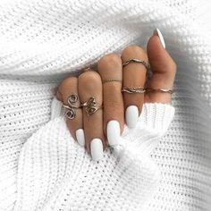 ▷ impeccable ideas for a white manicure - ArchZine FR - - ▷ idées impeccables pour une manucure blanche Do you need inspiration to create a white manicure? Take a look at our incredible and original proposals! White Manicure, White Nails, Fun Nails, Pretty Nails, Coffin Nails, Acrylic Nails, Nail Polish, Nagel Gel, Nail Decorations