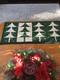 Tree Skirts, Christmas Tree, Quilts, Holiday Decor, Home Decor, Homemade Home Decor, Comforters, Xmas Tree, Patch Quilt