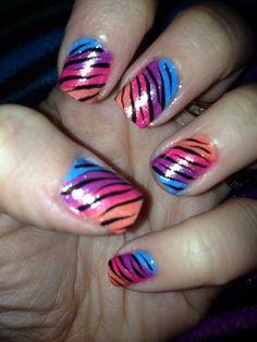 toenail art designs simple | ... Sideswipe nail design 225x300 5 Simple Nail Art Designs for Beginners