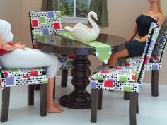 Barbies dining table and chairs 1:6th Scale