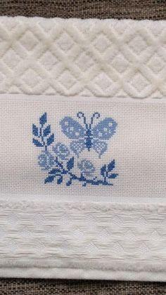Havlu Butterfly Cross Stitch, Mini Cross Stitch, Cross Stitch Cards, Cross Stitch Samplers, Modern Cross Stitch, Cross Stitch Borders, Cross Stitching, Embroidery Stitches, Wool Embroidery