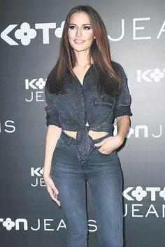 Fahriye Evcen #koton Prettiest Actresses, Cute Girl Pic, Turkish Beauty, Crop Top Bikini, Fashion Beauty, Womens Fashion, Petite Women, Turkish Actors, Passion For Fashion