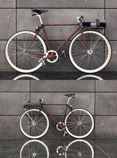 Super fixie bike girl fixed gear Ideas Velo Retro, Velo Vintage, Vintage Bicycles, Vintage Man, Dirt Bike Helmets, Mountain Bike Helmets, Bike Handlebars, Dirt Bikes, Bici Fixed