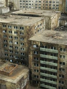 Abandoned city - OMG where is/was this city... Was it an Environmental Abandonment ...?