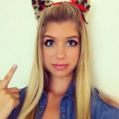 Allie DeBerry Talked About What She Is Dressing Up As For Halloween 2012