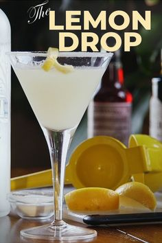 Nothing screams spring like fun cocktails! Light and refreshing, this Lemon Drop Martini recipe is just what your next happy hour needs. Easy Lemon Drop Martini Recipe, Lemon Drop Drink, Lemon Drop Shots, Lemon Martini, Dry Martini Recipe, Lemon Vodka Drinks, Drinks With Vodka, Drop Recipe, Lemon Drop Cocktail