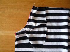 Dámské úpletové šaty s pružným pasem a kapsami | Apron, Model, Fashion, Bags Sewing, Sewing Patterns, Moda, Fashion Styles, Scale Model