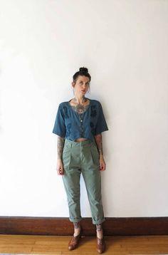 80s vintage top// midnight blue short sleeved crop button up