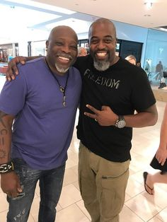 There is a whole lot of talent in this image. Two phenomenal artists, South Carolina's Leroy Campbell and Chicago's Kevin A. Williams (WAK). #atlanta #blackart #artists #georgia...