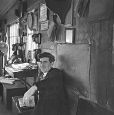 Ireland March 1961 Bill County taking a breather in the Signal Cabin, Albert Quay in Cork city at around by the look of the clock. Images Of Ireland, Cork City, Irish American, Dublin City, Old Photos, Celtic, Monochrome, 1960s, Photo And Video