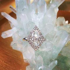 Romance #laurenharpercollection #laurenharper #diamonds #rosecutdiamonds #engagement #showmeyourrings #rings #luxury #instajewels #instajewelry #whitegold #18kt #love #diamondsareagirlsbestfriend