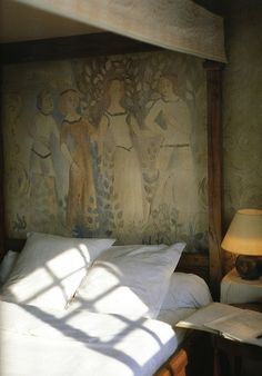 Bedroom inspiration, courtesy of hotel La Colombe d'Or, Saint-Paul-de-Vence, France. Up House, House On A Hill, Home Design, Nice Cote D Azur, Decor Logo, Interior Decorating, Interior Design, Wall Treatments, Elle Decor