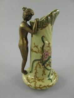 Hochwertige Porzellan/Messing Vase,im Jugendstil gearbeitet