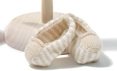 Book Baby 64 Spring / Summer | 42: Baby Shoes | White / Light beige