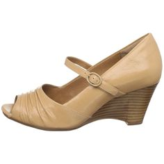 nude peep toe wedge...been wanting these for some time now.
