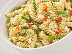 Pasta Salad with Grilled Asparagus, Pimiento and Feta festa;recipes with feta;spinach and feta; Healthy Chicken Recipes, Pasta Recipes, Salad Recipes, Vegetarian Recipes, Cooking Recipes, Feta Pasta, Feta Salad, Feta Cheese Recipes, Feta Chicken