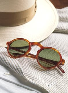 Small Round Sunglasses in Amber Small Round Sunglasses, Rectangle Sunglasses, Proof Sunglasses, Cheap Sunglasses, Glasses Outfit, Swagg, Amber, Sun Shades, Glasses Frames