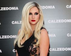 Kesha has an IQ of 140 and scored 1500 on her SATs. | 23 Celebrity Facts That May Explode Your Brain