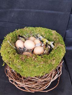 Wicker Baskets, Food, Home Decor, Easter, Room Decor, Essen, Home Interior Design, Yemek, Eten