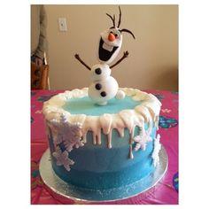 Frozen Ombre Buttercream Cake with fondant Olaf #sophisticatedsugar