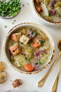 Chowder Soup, Chowder Recipes, Soup Recipes, Boiled Dinner, Cooking Corned Beef, Creamed Potatoes, Corn Beef And Cabbage, Hot Soup, Soups And Stews