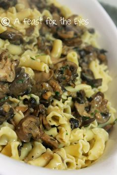Creamy Mushroom Sauce over Pasta (Pressure Cooker Style) | recipe from A Feast for the Eyes