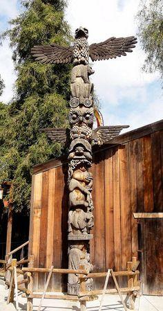 Aboriginal art for kids totem poles 24 ideas for 2019 Native American Horoscope, Native American History, Native American Indians, American Symbols, Native Indian, Native Art, Indian Art, Totem Pole Art, Totem Pole Tattoo