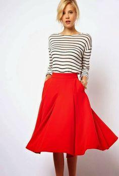 hou je rode rok maar voor de zomer, en dan met zo'n t-shirt?