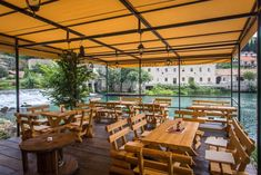 7 Bars In Dubrovnik That You Absolutely Must Drink At
