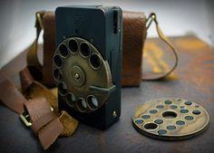 Rotary Mechanical Smartphone by Richard Clarkson - http://www.tdwa.com/dezeen/design/004376.html