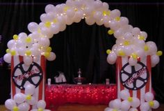 popcorn arch for a movie themed party cool!