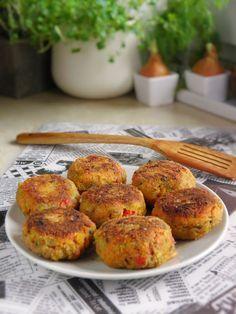 Kotlety warzywne   sio-smutki! Monika od kuchni Polish Recipes, Polish Food, Tandoori Chicken, Bon Appetit, Food Styling, Veggies, Food And Drink, Vegetarian, Tasty