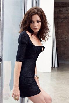 Anna Friel, full name Anna Louise Friel was born July 1976 is a English actress. Born in Rochdale, Greater Manchester, she has been acting professionally since age Anna Friel, Bryan Adams Photography, Aimee Teegarden, Naomi Watts, English Actresses, Celebs, Celebrities, Most Beautiful, Beautiful Women