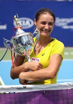 Monica Niculescu wins 2nd career #WTA title in Guangzhou! Storms past Cornet 64 60--> http://wtatenn.is/TBfRgd  #tennis