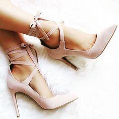 """10.1 ezer kedvelés, 13 hozzászólás – Yo Amo los Zapatos (@yoamoloszapatos) Instagram-hozzászólása: """"Son los #zapatos más lindos de todos!!! #girly #yoamoloszapatos #pumps #myshoes #heels #mystyle…"""""""