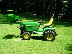 Just got a JD 425 and I want to build a FEL for it. John Deere Garden Tractors, Old Tractors, Tractor Mower, Lawn Mower, Heavy Equipment, Outdoor Power Equipment, Garden Tractor Pulling, Atv Trailers, Tractor Implements