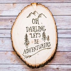 To celebrate her familys love of travel Katie of Addicted 2 DIY created this custom wall art using her woodburner and a storebought slice of wood Unbelievably it was the. Wood Burning Crafts, Wood Burning Patterns, Wood Burning Art, Wood Crafts, Wood Burning Projects, Diy Crafts, Kids Woodworking Projects, Woodworking Furniture Plans, Wood Projects