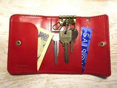 財布にもなるレザーキーケース「WALKEY」赤 2x
