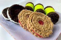 Satu ja tarinoita: Virkatut keksit / crocheted cookies