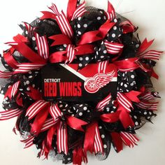 Detroit Red Wings Wreath - Deco Mesh Wreath with Detroit Red Wings Plate - Deco Mesh Hockey Wreath