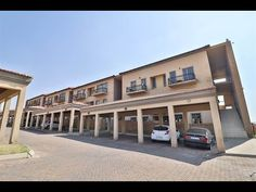 2 Bed Townhouse for sale in Gauteng Kempton Park, Home Buying, Townhouse, Mansions, House Styles, Bed, Home Decor, Decoration Home, Terraced House