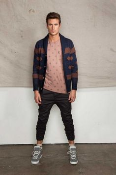 Cardigan is strong, raw and sexy. These are the 15 classic cardigan outfits to make you look cool this winter. Urban Street Fashion, Fashion Mode, Look Fashion, Autumn Fashion, Mens Fashion, Fashion Trends, Fashion Ideas, Fashion Tips, Looks Style