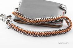 Cadena WAVE. Anillas de acero inoxidable y cobre entrelazadas. Largo: 50 cm. Incluye 2 mosquetones. Ya disponible en www.metalyeah.com