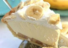 Cream Pie Easy Banana Cream Pie - quick and easy dessert with just a couple ingredients.Easy Banana Cream Pie - quick and easy dessert with just a couple ingredients. Sweet Recipes, Cake Recipes, Healthy Recipes, Lunch Recipes, Dinner Recipes, Appetizer Recipes, Casserole Recipes, Easy Pie Recipes, Healthy Meals