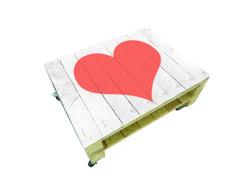 Ława z palet na Walentynki z malowanym sercem. | http://dekoeko.com/product/lawa-z-palet-na-walentynki-z-malowanym-sercem/ | Kup na www.dekoeko.com