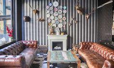 Una tendencia decorativa muy original, que pone la nota más divertida y personal a cualquier estancia de la casa. La mezcla de colores, muebles, telas y estilo y el gusto por las figuras y los adornos más extravagantes son dos de sus señas de identidad.