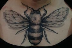 Bees are vital to human existence and awesome to have as tattoos! These 25 cool humble bee tattoos are simple the best! Bumble Bee Tattoo, Honey Bee Tattoo, Bee And Flower Tattoo, Bee On Flower, Little Tattoos, Cool Tattoos, Tatoos, Full Circle Tattoo, Three Kings Tattoo