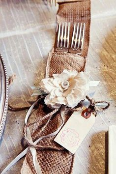 burlap table settings