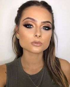 37 Amazing Christmas Makeup Looks You'll Love 2019 - Page 29 of 37 - Veguci Christmas MakeupMakeup Ideas LooksChristmas Day Makeup Looks to Try This Season; Christmas makeup looks;