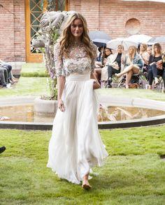 : Nå skal brudekjolen ha lange ermer - KK.no